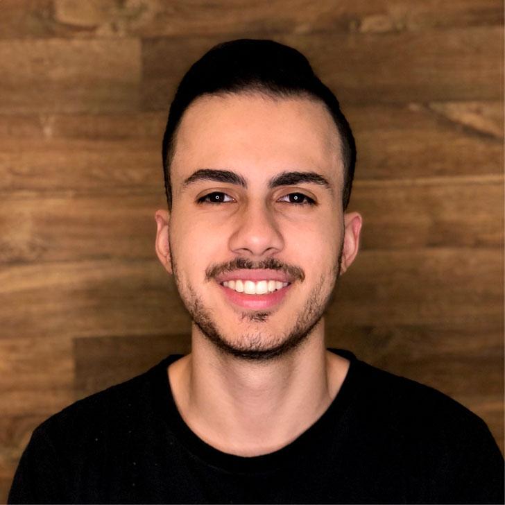 Fabio Muniz, Top Designer.